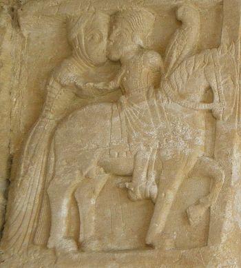 Een releif waarop Favila afscheid van zijn vrouw Froiluba, 12e eeuw. (Monasterio de San Pedro de Villanueva, Cangas de Onís).