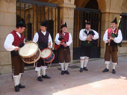 Gaiteros in Oviedo