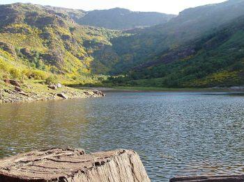 Het Lago de la Baña, natuurmonument in la Cabrera, opgericht in 1990.