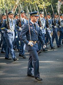 12 oktober werd ingesteld als de nationale feestdag. Militaire Parade 2013.