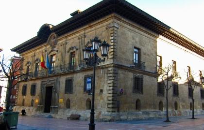 Het neoclassicistische Museum de Bellas Artes te Oveido.