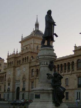 Monument van José Zorrilla in Valladolid