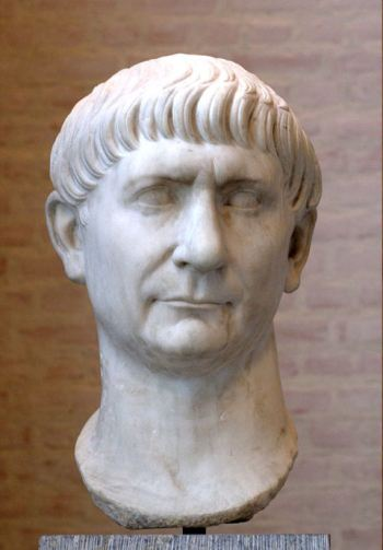 Buste van Trajano, keizer van Hispano in de tijd van het Romeinse Keizerrijk