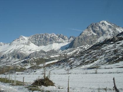 In de winter komt de sneeuw (in de provincie León) vaak tot onder in het dal.