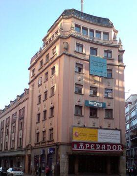 Spaanse verhalen, León, Emperador theater.