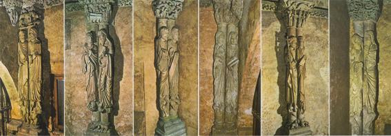De twaalf apostelen in het voorportaal van de Camara Santa
