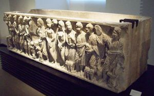 Sarcofaag van San Justo de la Vega, waar later de stoffelijke overschotten van Alfonso III el Magno, koning van Asturias, in begraven zouden worden. Zijn stoffelijke overschotten werden later overgebracht naar Oviedo.