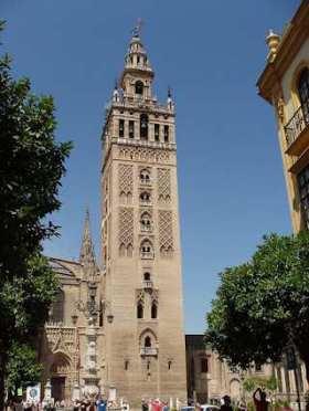 La Giralda, momenteel is het de klokketoren van de kathedraal van Santa María van Sevilla