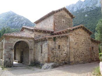 De kerk van Santa María van Lebeña