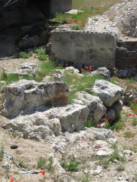 Sporen van de moslim muur naast de Cuesta de la Vega.