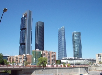 De Cuatro Torres in de financiele zone, in het noorden van de stad Madrid