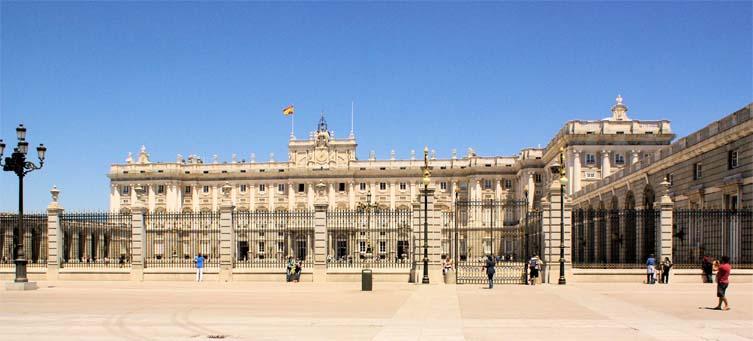 Het Koninklijk Paleis te Madrid