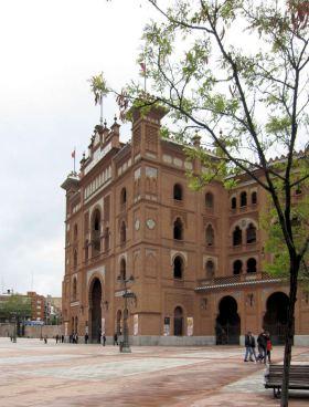 Plaza de Toros met de grote arena van Madrid