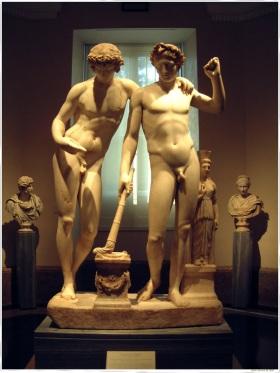 De Groep van San Ildefonso, die Orestes en Pylades vertegenwoordigen. Het is een Romeinse werk 10. C.