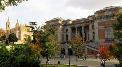De noordelijke in gang van het Museum. Zie ook het schilderij van deze ingang in het hoofdstuk 'Nog een aantal schilderijen van de Spaanse School welke te zien in het Prado'.