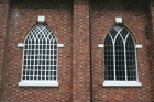 Vooral het rechter raam toont een goed voorbeeld van vorktraceringen.