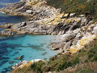 De rotskust van de Cíes eilanden.