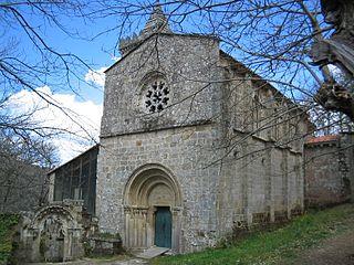 Klooster van Santa Cristina de Ribas de Sil, in de gemeente Parada de Sil. Eén van de vele voorbeelden van religieuze gebouwen van de romaanse architectuur. Sinds 876 aanwezig indeze natuurlijke regio en men neemt dat dat dit de aanleiding was voor de middeleeuwse naam ´Riviora Sacrata´.
