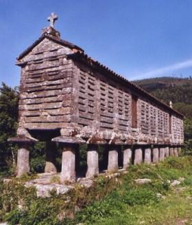 Een graanschuur in La Coruña. Een typische schuur in het noorden van Spanje.