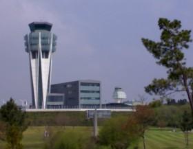 De nieuwe controletoren van de luchthaven van Santiaga de Compostela.