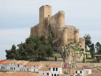 Kasteel van Almansa (14ᵉ eeuw).
