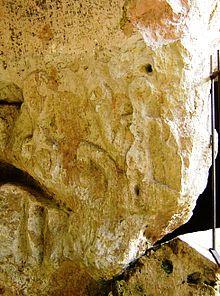 Reliëf van de godin Epona in de grot van Santa Leocadia.