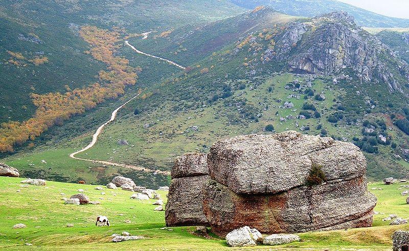 Sinds de oudheid zijn er dit soort ongewone geologische formaties die de menselijke verbeelding gemanipuleerd hebben.