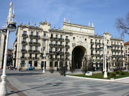 Zetel van de Santander Bank, op de Paseo de Pereda van Santander.