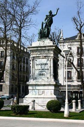 Standbeeld in Santander ter nagedachtenis van de artillerie kapitein Pedro Velarde Dantillán,Cantabrische held van de Spaanse Onafhankelijkheidsoorlog. Hij stierf tijdens de opstand van 2 mei 1808 in Madrid.