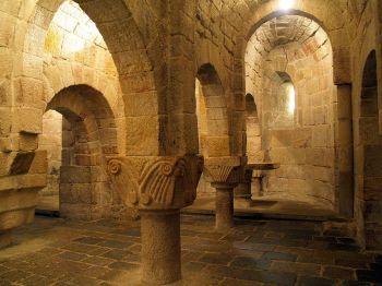 Crypte van het klooster San Salvador van Leyre.