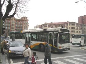 Autobus in het centrum van Pamplona.
