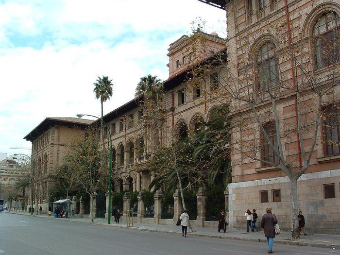 Instituut Ramon Llull in de Avenida de Portugal.