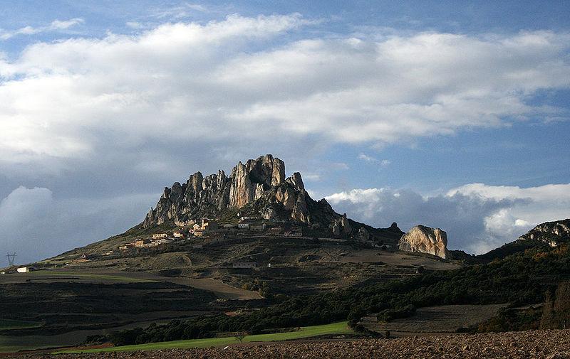 Zicht op Cellorigo, waar zich de onneembare vesting van de graaf van Álava, Vela Jímenez bevond.