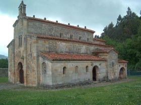 San Salvador te Valdedios. Omgeven door een weelderige natuur en ver van de menselijke wereld verwijderd. De Asturische valleien, de plek voor meditatie, een gebed of een ontmoeting met het goddelijke (bovennatuurlijke). De snelle verbreiding van plaatsen zoals Ribiera, Sacra of Valdedios verwijst naar de momenten waarop nieuwe of bestaande steden werden gekoloniseerd door de kloosters.