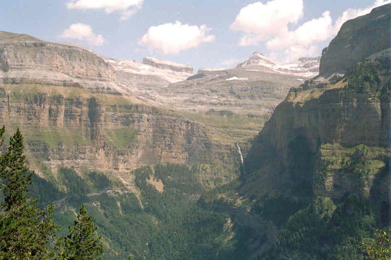 Gletsjer gebied van Cotatuero, in het dal van Ordesa.