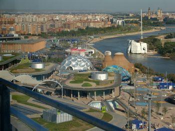 Overzicht van de Expo 2008 vanaf de watertoren.