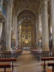 Het interieur Santa Maria de la Asunción, Briones.
