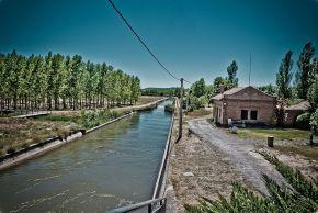 Foto van het kanaal van Castilla.