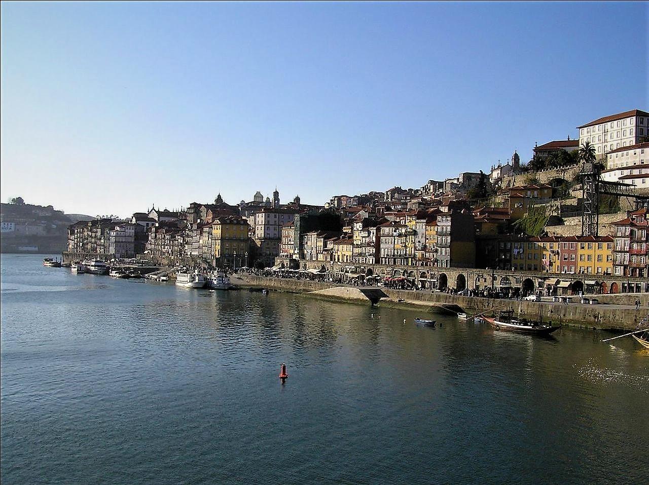 1280px-Ribeira_do_Porto